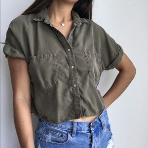 Zara army green button front crop top blouse S